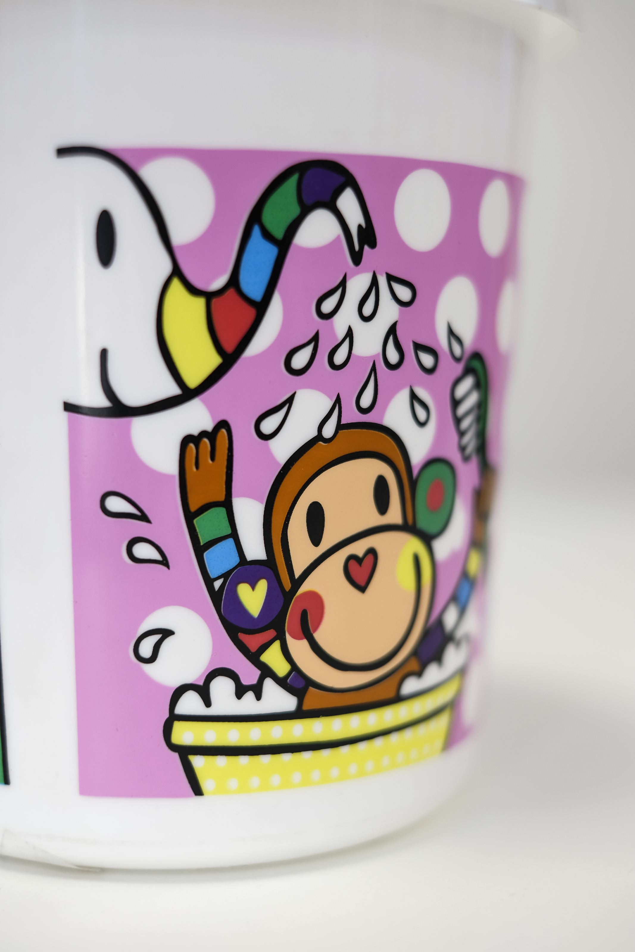 7 SPOT COLOUR SCREEN PRINTING ON TOY BUCKET